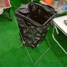 【DI101】垃圾架-大 垃圾袋吊架 環保置物架 摺疊式垃圾袋掛架 戶外垃圾桶★EZGO商城★