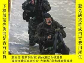 二手書博民逛書店US罕見NAVY SEALS in ACTION(英文原版、如圖