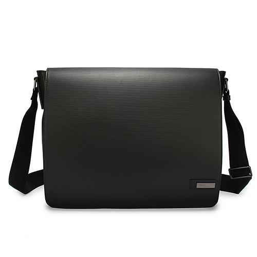 ARMANI COLLEZIONI經典橫紋牛革掀蓋式斜背包(黑色)102308