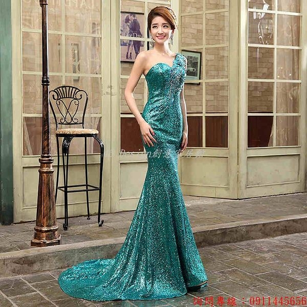 (45 Design)       7天到貨  新款晚會演出禮服結婚敬酒服宴會lifu綠色拖尾新娘長款晚禮服