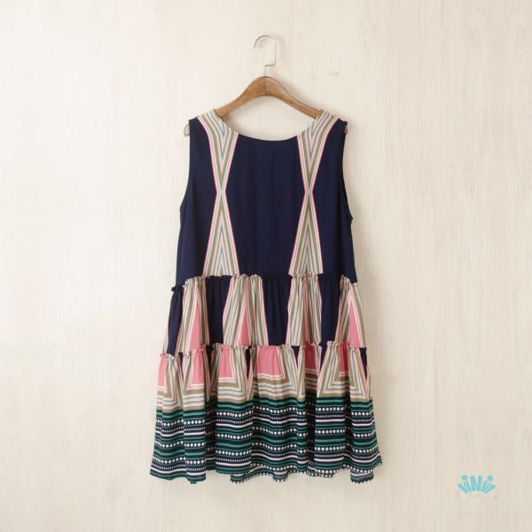 viNvi Lady 幾何彩色印花蝴蝶結綁帶柔感無袖洋裝 連身裙 連衣裙