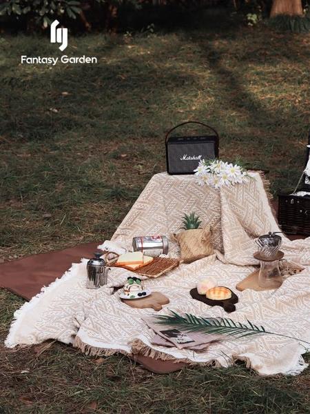 夢花園野餐毯加厚便攜戶外防潮墊春游露營草坪地布 黛尼時尚精品