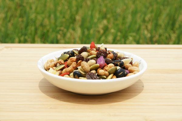 [ 五桔國際] 日式輕食果仁 250g/罐