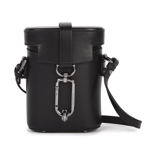 Botkier Brooklyn滑面皮革小型斜背水桶包(黑色)260014