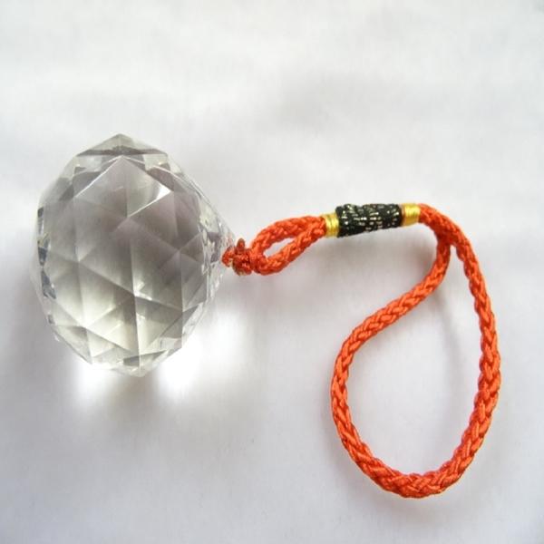 【紅磨坊】1個壓克力切割白水晶球吊飾(加持祈福)﹝2HX1.8X1.8CM買一送一﹞【Ruby】NO.22S
