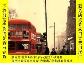 二手書博民逛書店The罕見Bus We LovedY255174 Travis