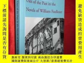 二手書博民逛書店Uses罕見of the Past in the Novels