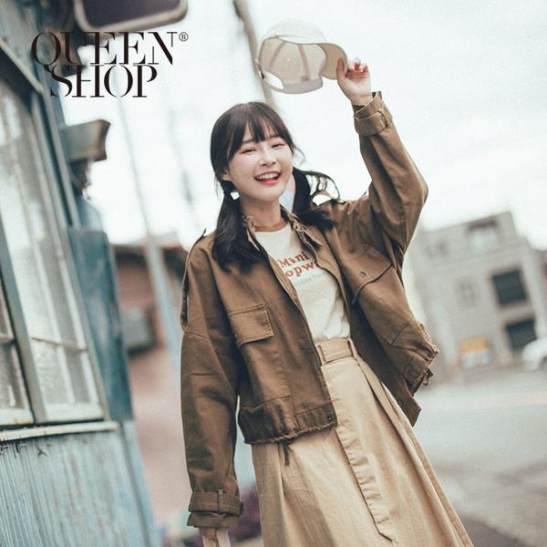 Queen Shop【02071164】不收邊雙口袋拉鍊短版外套 兩色售*現+預*