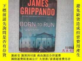 二手書博民逛書店英文原版書罕見JAMES GRIPPANDO BORN TO R