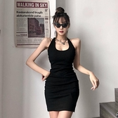 掛脖洋裝 Amyway新品歐美性感露背交叉設計感掛脖連身裙心機修身包臀小黑裙 韓國時尚週