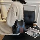 斜背包女包時尚百搭水桶包復古質感側背包小...