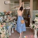 露背洋裝碎花吊帶連身裙女2021新款夏長裙超仙氣質V領露背三亞海邊度假裙 愛丫 免運