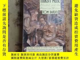 二手書博民逛書店The罕見Thirsty Muse: Alcohol and t