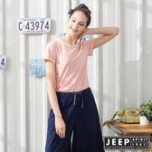 【JEEP】女裝轉印圖騰V領短袖T恤-粉紅色
