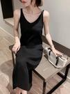 吊帶洋裝 2021春裝新款針織吊帶連身裙女背心長裙中長款黑色內搭打底裙修身 伊蒂斯
