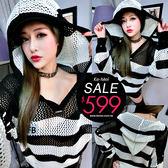 克妹Ke-Mei【ZT54740】原單!appare歐美街拍勾織摟空黑白撞色連帽蝙蝠袖毛衣