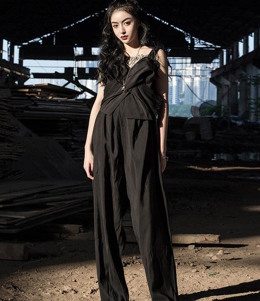 日本秀場設計師款不規則連身背帶褲/設計家