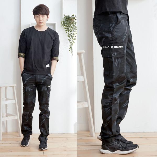 黑色潮流迷彩工作褲