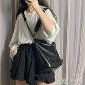 單肩包大容量包包女新款潮酷斜背包百搭錬條包學生時尚水桶包 至簡元素