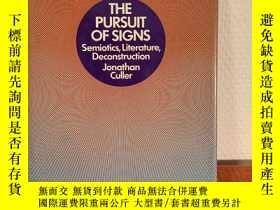 二手書博民逛書店The罕見Pursuit of Signs: Semiotics