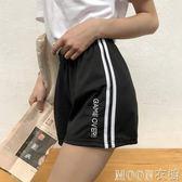 2019夏百搭網紅同款嘻哈帥氣寬鬆運動短褲女  MOON衣櫥
