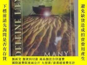 二手書博民逛書店英文原版罕見Many Waters by Madeleine L