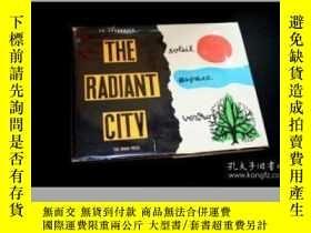 二手書博民逛書店The罕見Radiant City - Le CorbusierY256260 Le Corbusier Or