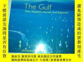 二手書博民逛書店英文原版畫冊:The罕見Gulf -- New Zealand