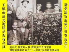 二手書博民逛書店the罕見traditional oriental rugs of michaelian & kohlberg