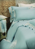 【金‧安德森】英國皇家蕾絲長纖細棉-《波曼-藍》(加大床包6*7)