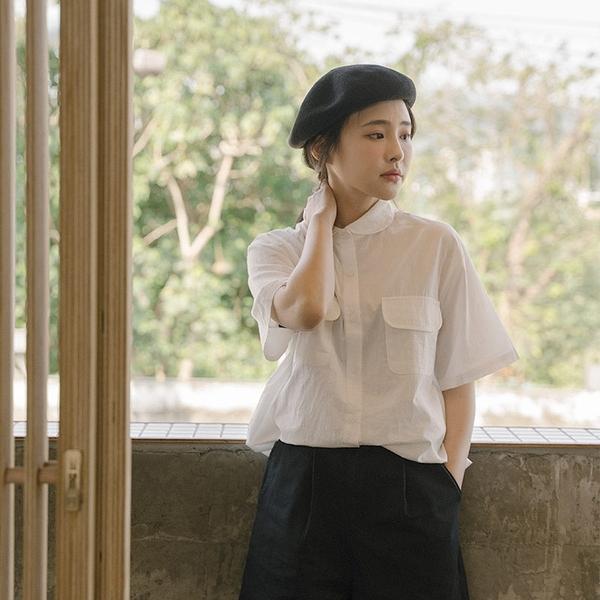 Queen Shop【01024028】日系圓口袋設計下抽繩白襯衫*現+預*