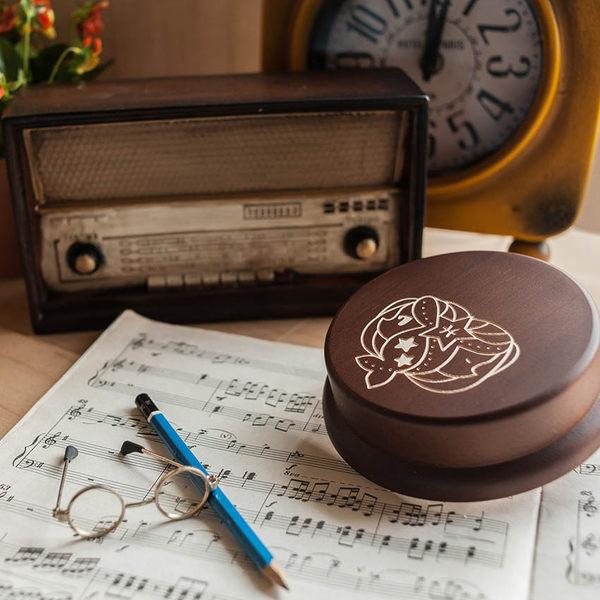 幸福森林.木製 發條式 選轉音樂盒 客製化禮物-星座-雙魚少女