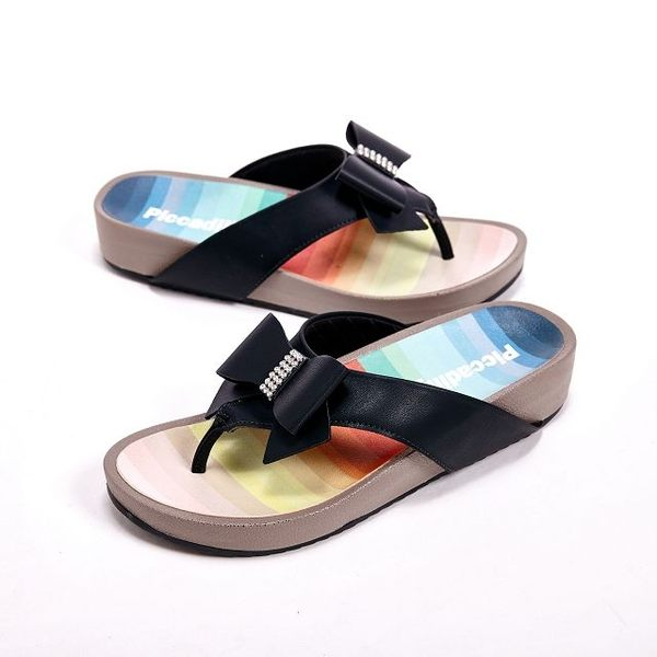 Piccadilly 涼夏必備 蝴蝶結貼鑽設計夾腳拖鞋女鞋 黑(另有綠、桃)