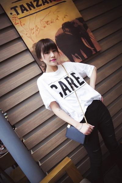 (全館一件免運)DE SHOP~韓版經典圓領字母蝙蝠袖短袖T恤女(T-002)均碼