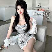 克妹Ke-Mei【ZT69318】INS歐美辛辣復古報紙印花開叉蕾絲洋裝