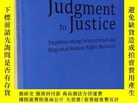 二手書博民逛書店英文原版罕見From Judgment to Justice: Implementing Internationa
