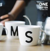 骨瓷杯-藍蓮花高創意黑白英文字母杯馬克杯早餐杯牛奶杯咖啡杯麥片杯【年貨好貨節免運費】