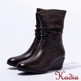 2016秋冬新品上市kadia  小羊皮抓皺繡花低跟中筒靴(咖啡色)