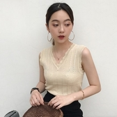 EASON SHOP(GU9742)韓版純色鏤空小透視短版露肚臍花邊V領無袖針織背心女上衣服彈力貼身內搭衫紅色