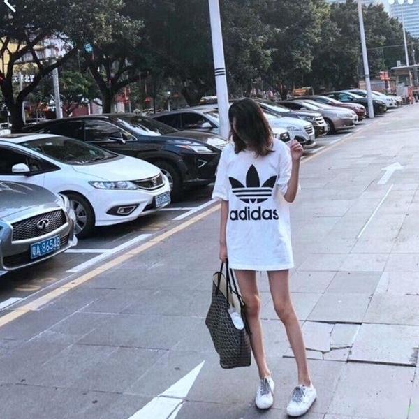 愛迪達 adidas 三葉草 長版T桖白色CW1212/黑色CW1211女裝運動T桖連身洋裝大學T情侶裝/澤米