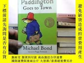 二手書博民逛書店Paddington罕見Goes to TownY10016 Paddington Goes to Town
