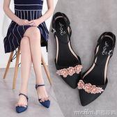 2018夏新款時尚尖頭花朵雨鞋女成人韓版平底果凍鞋一字扣雨鞋水靴 美芭