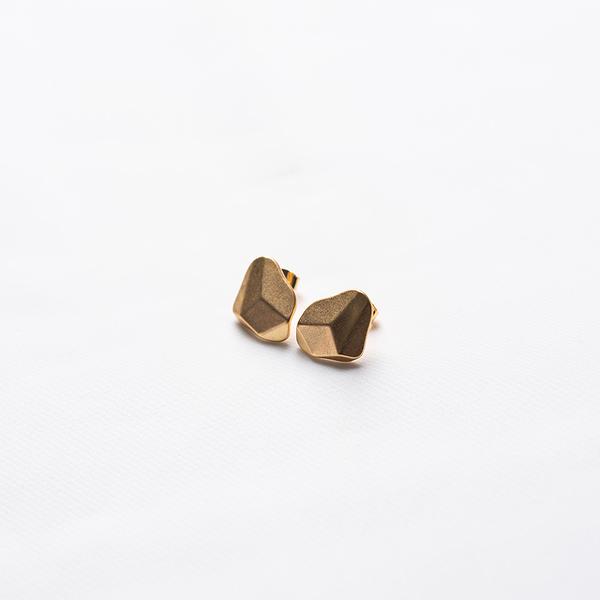 Queen Shop【07030714】切割面造型設計耳針式耳環 兩色售*現+預*