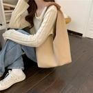 托特包女大容量水桶包軟皮手拎編織包小眾設計單肩包包女新款