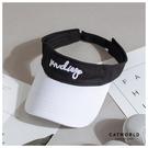 Catworld 草寫英文刺繡空頂遮陽帽【18003543】‧F
