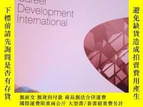 二手書博民逛書店Career罕見Development Internationa