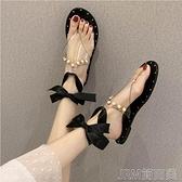珍珠涼鞋女夏季新款韓版仙女風鉚釘沙灘鞋平底蝴蝶結夾腳趾羅馬鞋 快速出貨