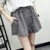 棉麻短褲 夏季韓版棉麻鬆緊腰格子短褲女寬鬆大碼顯瘦學生闊腿裙褲休閒 曼慕