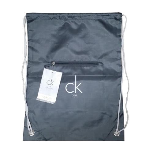 【岡山真愛香水化妝品批發館】Calvin Klein 束口袋簡約後背包