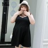 Miss38-(現貨)【A03822】性感黑 胸前鏤空交叉 純棉彈力 細肩 吊帶裙 大碼洋裝 連衣裙-中大尺碼